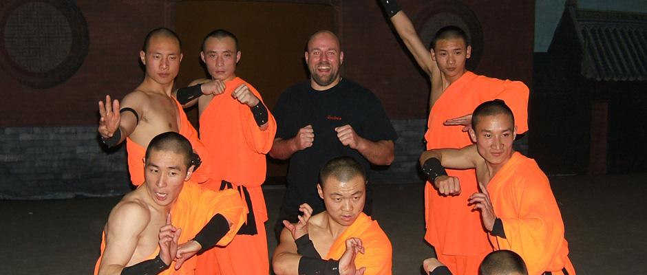 20242513-Revista-Combat-06-June-2007 | Karate | Cheque